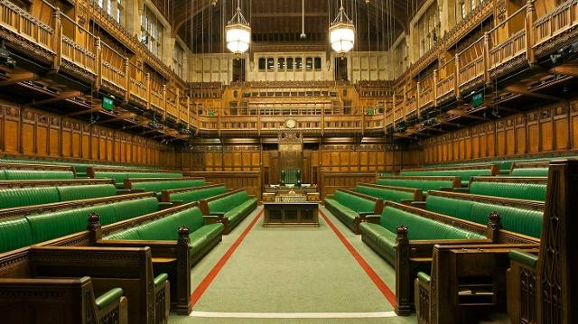 houses-of-parliament-house-of-commons-chamber-d037ae0815510a7b8a8832d0e0e7fa00